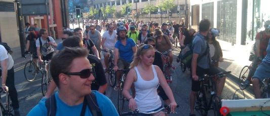 sea of cyclists 1